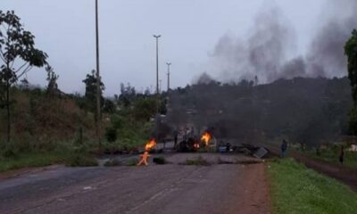 Manifestantes ateiam fogo em rodovia em São Sebastião
