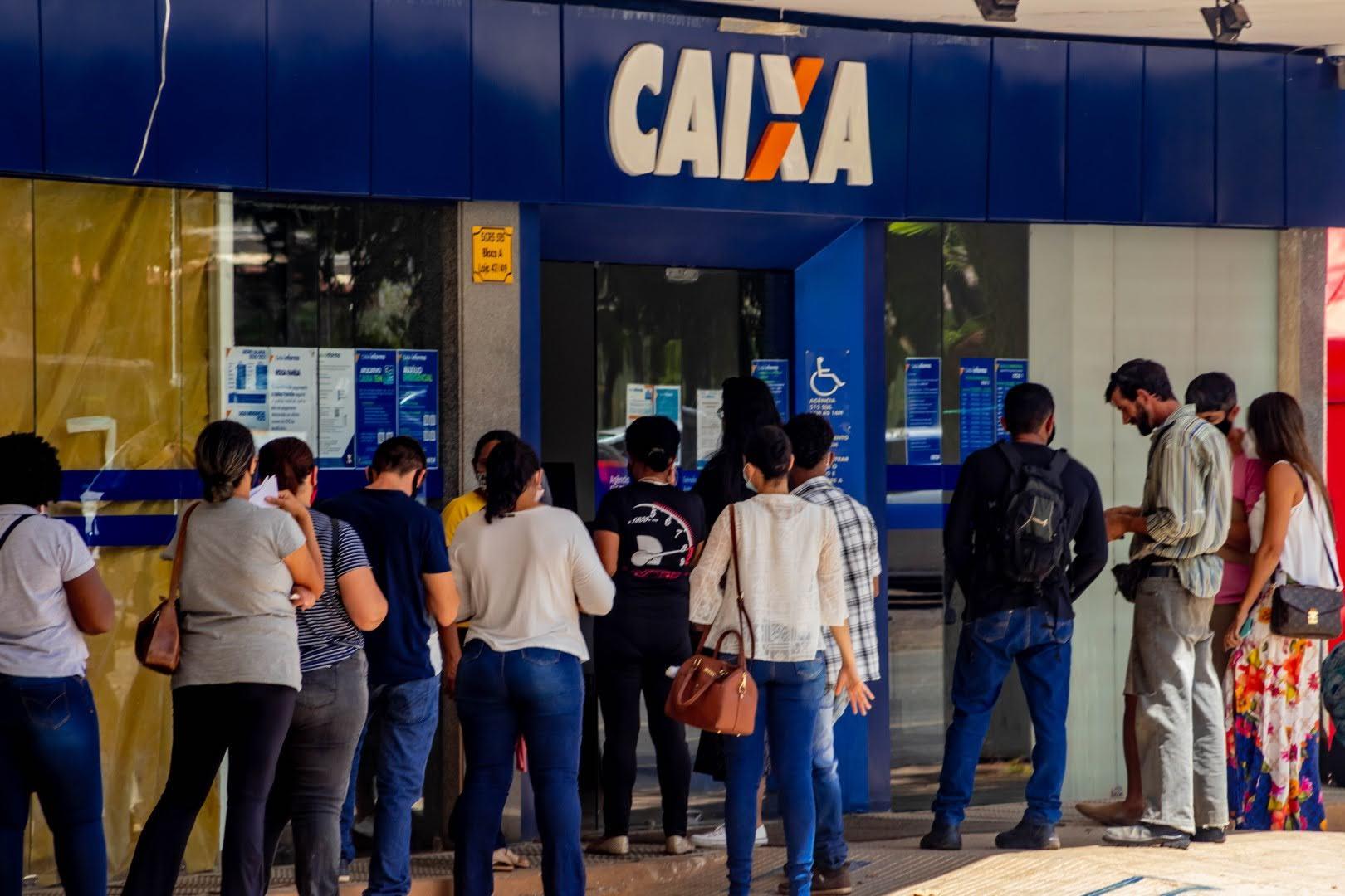 a Caixa Econômica encerra hoje auxílio emergencial para 3,2 milhões de brasileiros